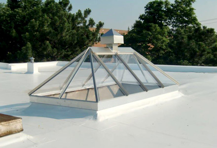 toiture en membrane tpo toitures pme. Black Bedroom Furniture Sets. Home Design Ideas