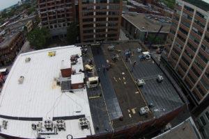 Toiture en membrane élastomère à Montréal
